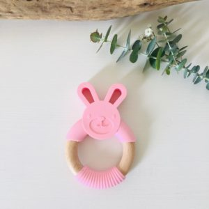 hochet de dentition lapin rose montessori